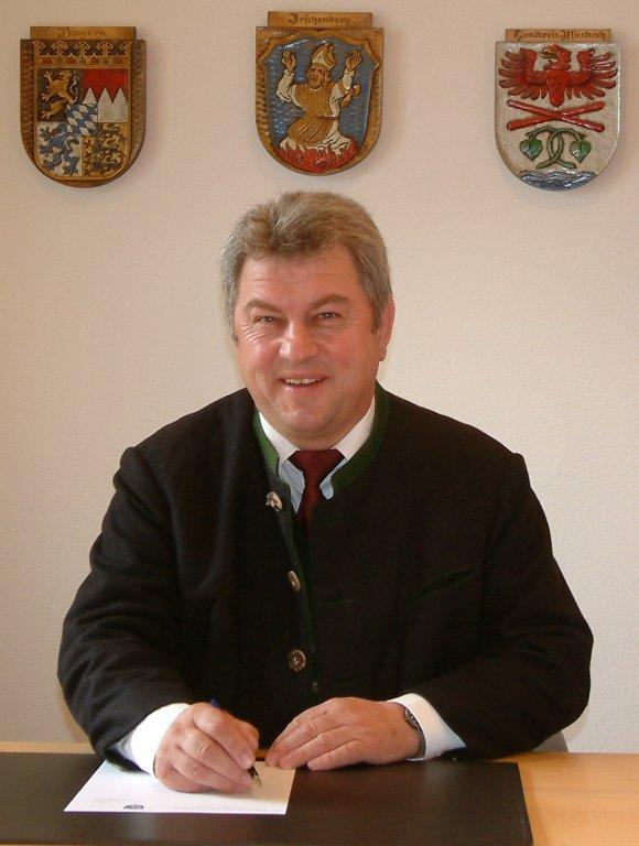 Die Gemeinde Irschenberg trauert Ersten Bürgermeister Hans Schönauer